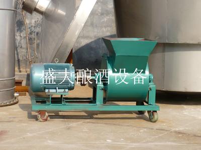 酿酒设备使用的粉碎设备之一扬茬机